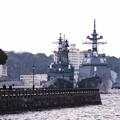 朝は港の波の音しか聞こえない横須賀基地 20160320