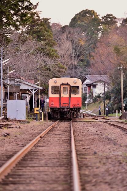 小湊鉄道里見駅の風景。。上下線を待つ駅。。20171210