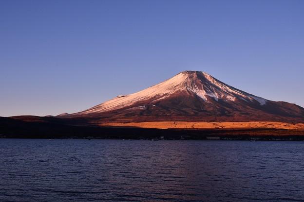 雲がほんとない山中湖湖畔から見る富士山 朝日 20180102