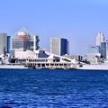 写真: 撮って出し。。ホストシップで海自護衛艦ゆうぎりとフランス海軍フリーゲート艦ヴァンデミエール 2月12日
