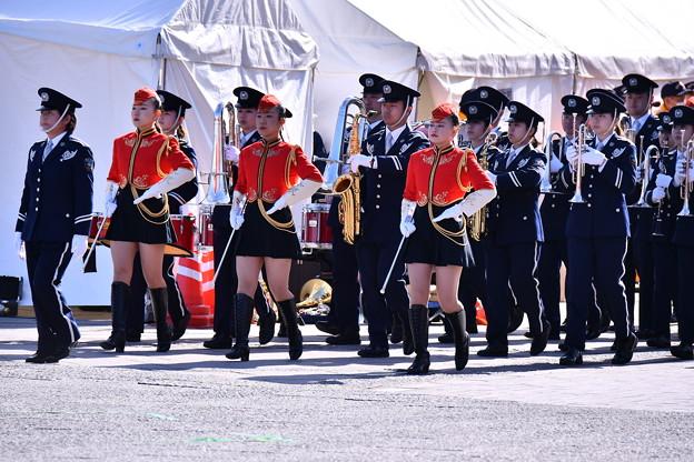 横浜消防出初式。。消防音楽隊ドリル演技 行進
