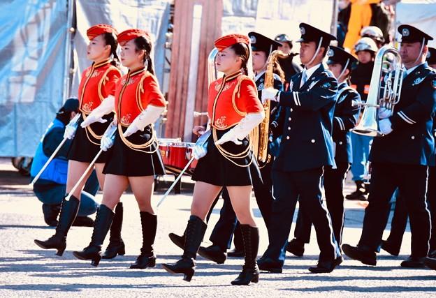 横浜消防出初式。。消防音楽隊ドリル演技 行進(2)