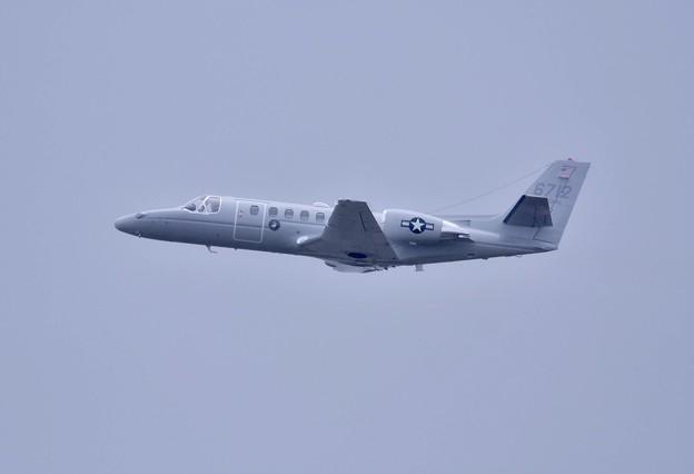 小雨降る中。。米海兵隊UC-135上がり。。1月8日
