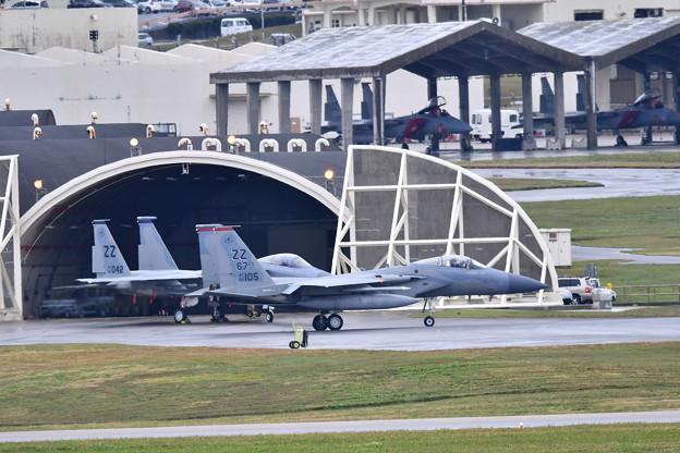 小雨降る中やっと上がるZZのF-15イーグル 1月8日
