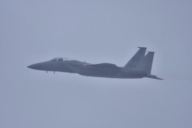 いきなりの激しい雨の中上がるノータンクの嘉手納のZZF-15イーグル(1) 1月8日