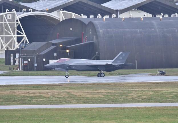 いよいよ出てきたヒル空軍基地のF-35Aライトニング 転がり 1月8日