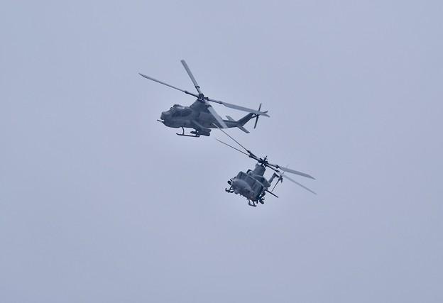 普天間から米海兵隊ヘリコプター UH-1YヴェノムとAH-1Zスーパーコブラ飛来 20180108