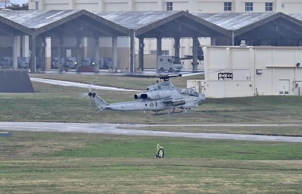 普天間から米海兵隊ヘリコプター AH-1Zスーパーコブラ飛来 20180108