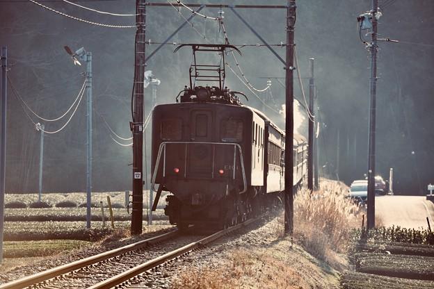 写真: 日暮れの風景 電気機関車EL101。。 20180120