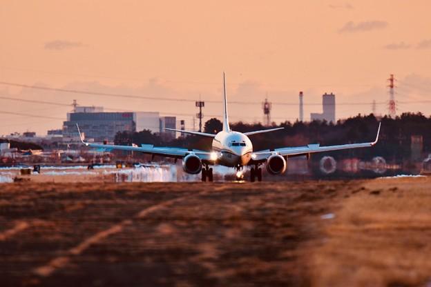 夕暮れの厚木基地。。定期便C-40 ランディングへ 20180125