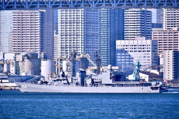 共同訓練へホストシップの海自護衛艦ゆうぎり出港 20180212