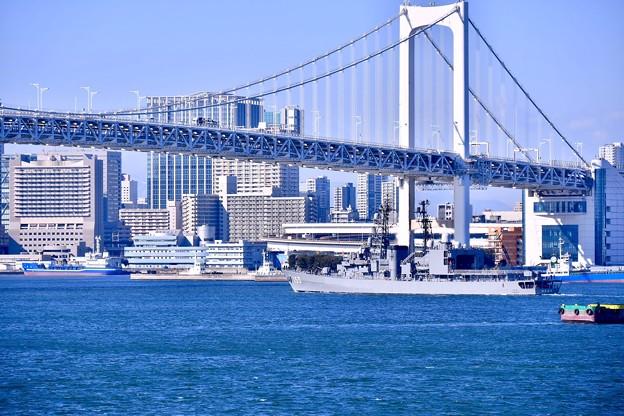 東京湾を横断して太平洋へ護衛艦ゆうぎり 20180212