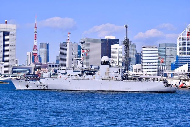 フランス海軍フリーゲート艦ヴァンデミエールと東京の風景 20180212
