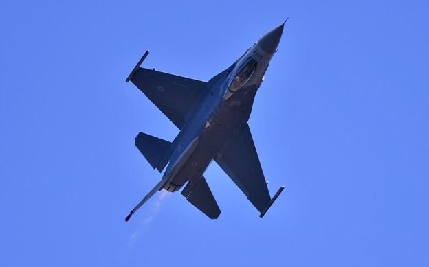 芦屋基地航空祭予行練習。。F-16デモチーム アクロバット飛行(3)