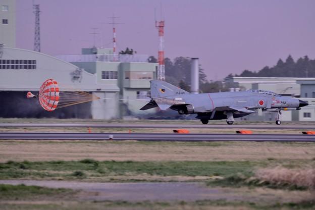 写真: 撮って出し。。日米共同訓練 ケロヨンファントム着陸 4月11日
