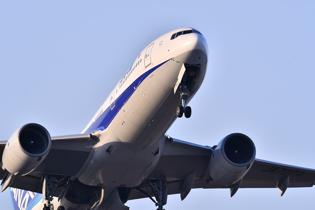 航空祭予行終えて。。夕暮れのランチェンした福岡空港 ANA上がり 20180217