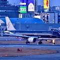 写真: 日暮れの福岡空港。。スターフライヤー機 20180217