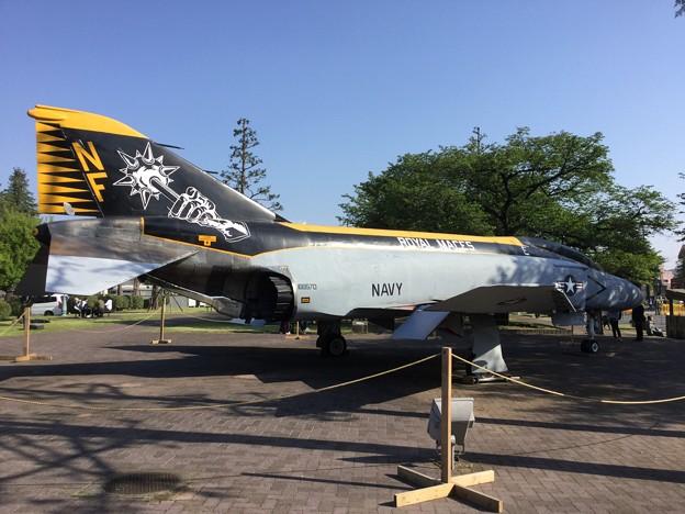 撮って出し。。久しぶりに見た厚木基地内米海軍F-4Sファントム 4 月21日