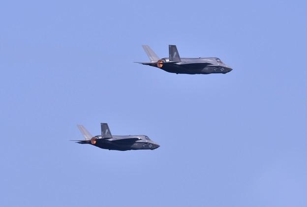 撮って出し。。バーナー出し2機のステルス戦闘機F-35B MAGTFデモ 対地攻撃へ 5月4日