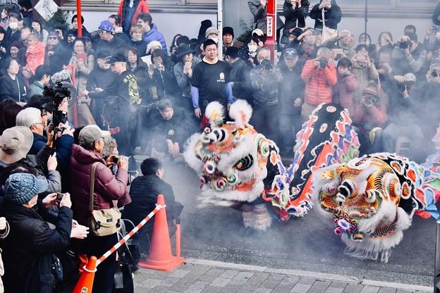 横浜中華街春節 祝舞遊行 爆竹なる獅子舞の舞。。20180224