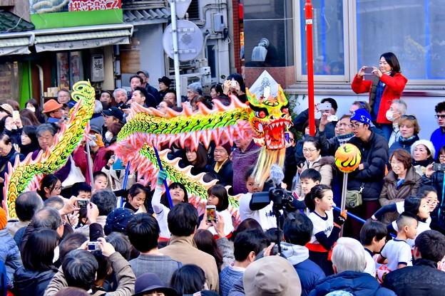 横浜中華街春節パレード祝舞遊行 龍舞で春節を祝う 20180224