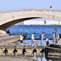 写真: 休日の横浜臨港パーク。。賑わう公園 20180304