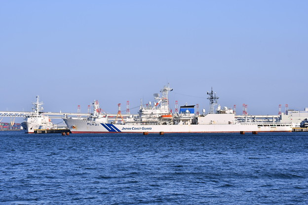 Photos: 休日の海上保安庁横浜基地。。夕暮れの風景 20180304