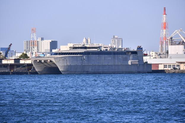 米軍施設横浜ノースドック瑞穂埠頭 高速輸送艦グアム(3) 20180304