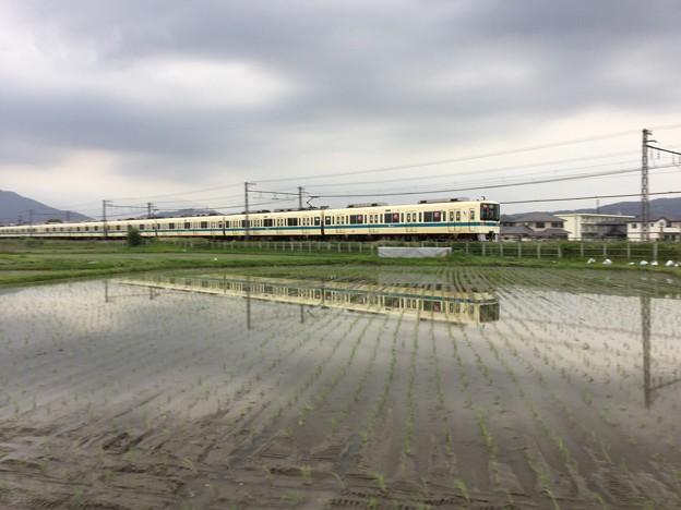 撮って出し。。開成町の田植えシーズンの水面鏡 小田急線 526日