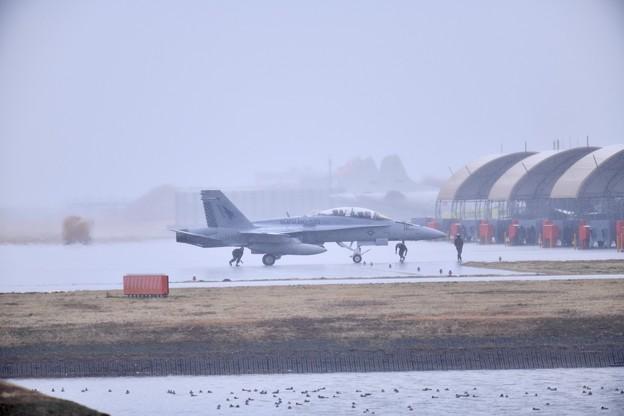 雨降りの岩国基地。。この日来日して初飛びの米海兵隊VMFA533ホークス(4)20180321