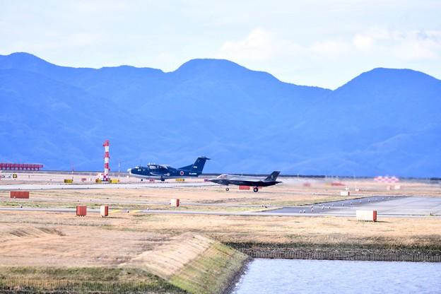岩国遠征2日目雨上がりの朝の岩国 海自US-2と海兵隊F35Bローカルへ 20180322