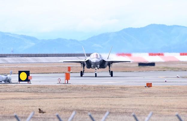Photos: 岩国基地。。グリーンナイツのF35B帰投。。20180322