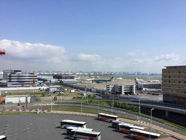 撮って出し。。山口県遠征前の朝の羽田空港風景 6月2日