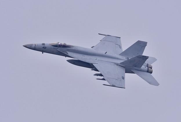 日米共同訓練百里基地。。米海軍チッピー NF401 ひねり上がり 20180411