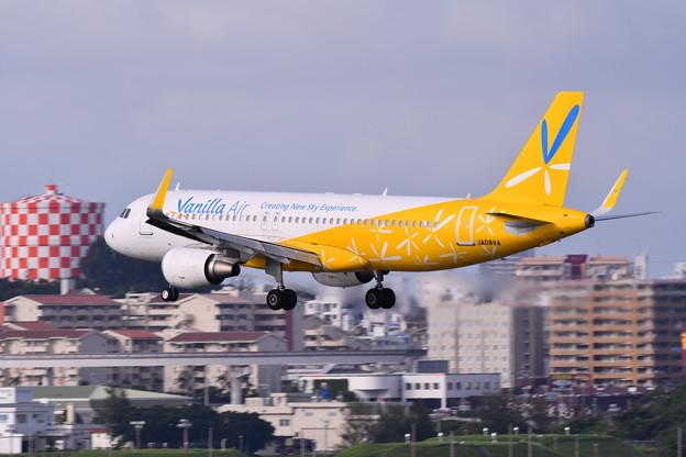 撮って出し 那覇空港。。瀬長島からバニラエアアプローチ  6月17日