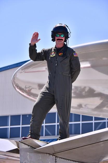 Photos: 厚木基地開放。。お髭が可愛いらしいタイガーテイルズのパイロットさん 20180421