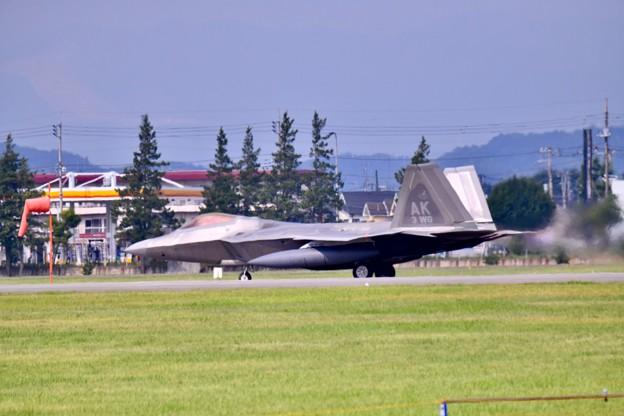 撮って出し。。横田の久しぶりの爆音F22ラプター上がり 7月15日