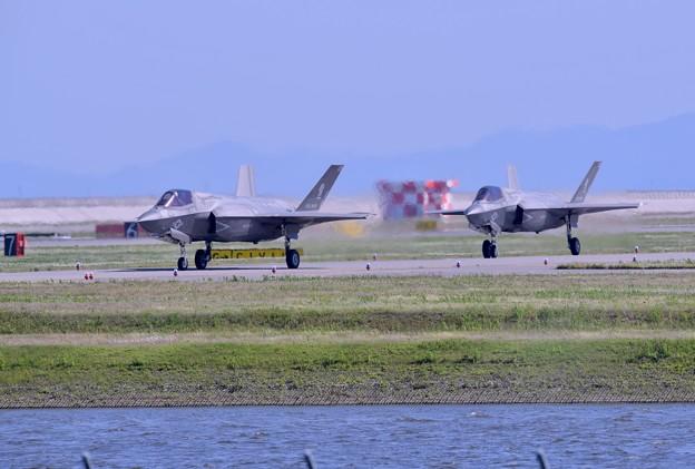 岩国基地。。予行練習総合デモ飛行F35B タキシー20180503