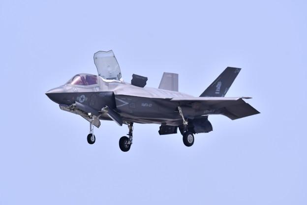 ステルス戦闘機F35Bデモ飛行 垂直着陸(3) 20180505