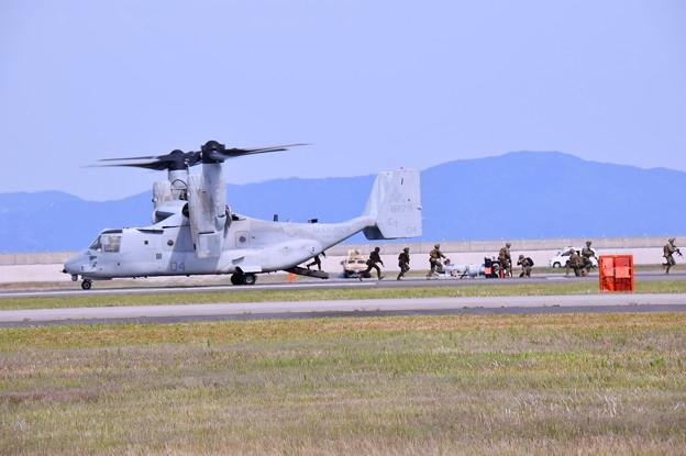 MV22オスプレイ から米海兵隊戦闘部隊制圧作戦
