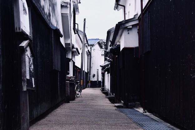 白い壁の町並み。。路地裏の風景 20180506