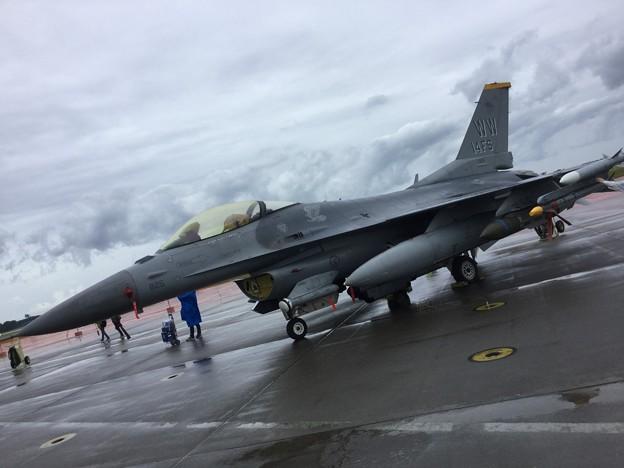 撮って出し。。雨の三沢基地航空祭 米空軍F16 20180909