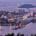 Photos: 夕暮れの門司港と護衛艦ひゅうが 20180602