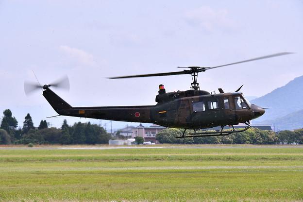 防府基地航空祭 陸自ヘリUH1デモ飛行(1)