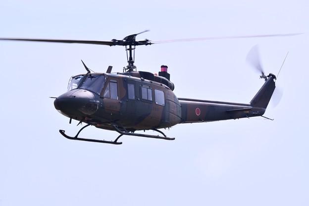 防府基地航空祭 陸自ヘリUH1デモ飛行(2)