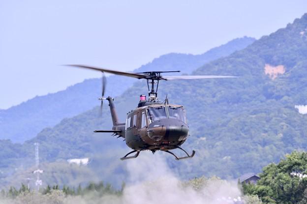 防府基地航空祭 陸自ヘリUH1デモ飛行(3)