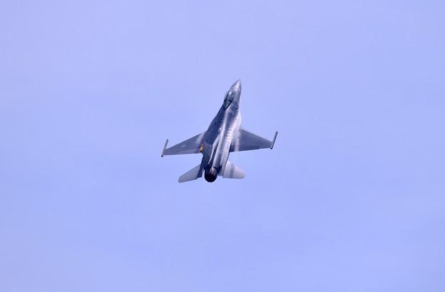 岩国リモートで三沢のF16デモチーム機動飛行(4)