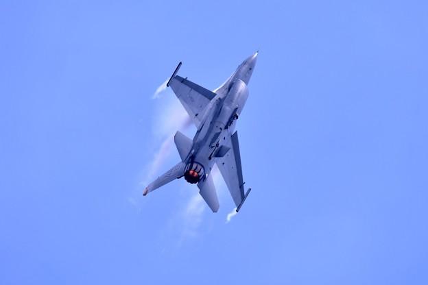 岩国リモートで三沢のF16デモチーム機動飛行(5)