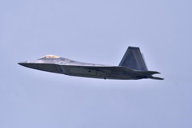 沖縄遠征 嘉手納基地 やっと飛んだアラスカのF-22ラプター(1) 20180618