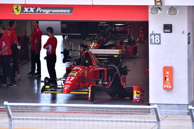 ピットに歴代フェラーリF1 走行準備中(2) 20180630